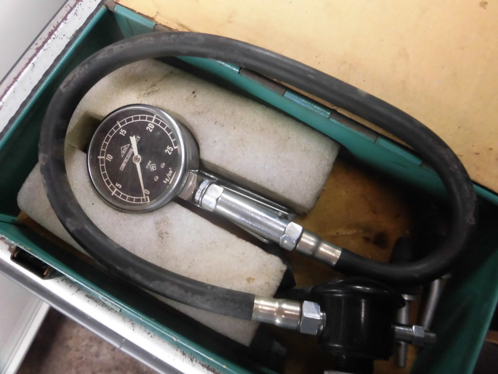 コンプレッショんゲージガソリン